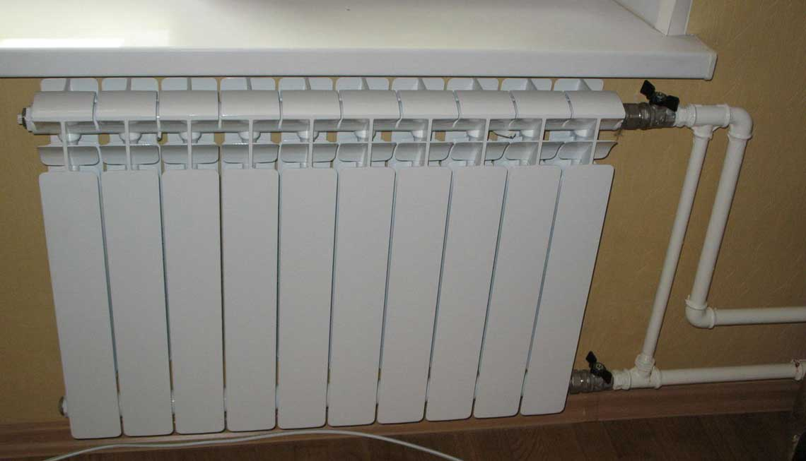 Установка биметаллических радиаторов отопления в СПб от Трубовар